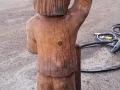 004 puuskulptuuri puhastamine